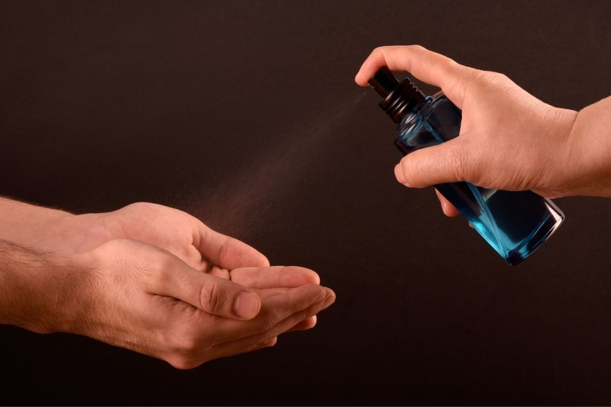 Spray disinfectant: home and commercial uses